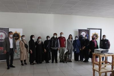 'EN İYİ NARKOTİK POLİS ANNE' SEMİNERİ