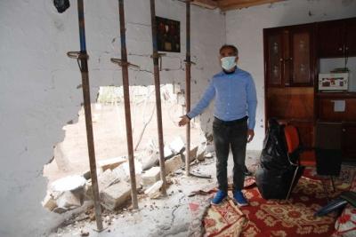 Evin bir bölümü yıkılan aileye yardım edildi