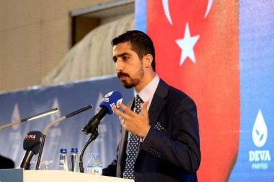 """""""GENÇLER ÜLKEYİ TERKETMEK İSTİYOR"""""""