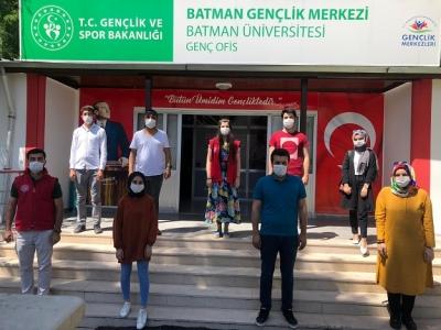 GENÇLİK'TEN ÜNİVERSİTEDE 'GENÇ OFİS'PROJESİ