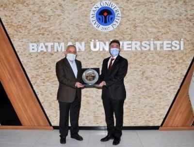 Hakkari Üniversitesi Rektör'ünden Demir'e ziyaret